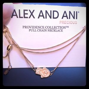 NWT Hand of Fatima Pull Chain Necklace Gold